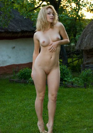 Moms Outdoors Porn