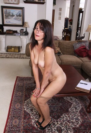 Moms With Glasses Porn